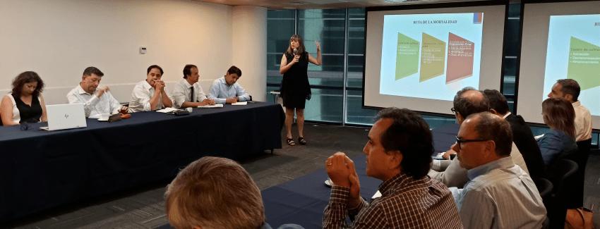 La reunión fue dirigida por las Autoridades de Sernapesca, Alicia Gallardo y Marcela Lara. Imagen: Sernapesca.