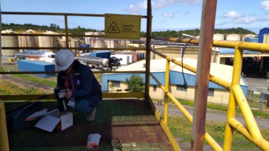 Fiscalización de la SMA a la planta de Fiordo Austral ubicada en Puerto Montt. Foto: SMA.