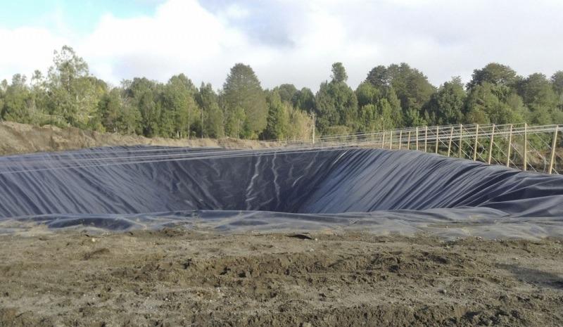 Vertedero industrial en Chiloé. Foto: Archivo Salmonexpert.