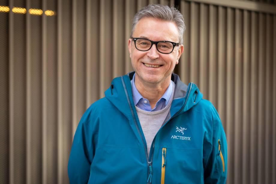Fiskeri- og sjømatminister Odd Emil Ingebrigtsen synes det er viktig å satse på alternative fôrressurser som kan produseres i Norge. Foto: Hans Kristian Thorbjørnsen