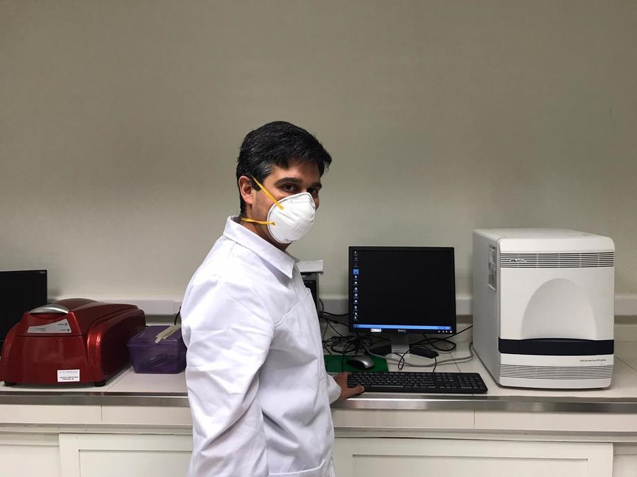 La Facultad de Farmacia de la Universidad de Concepción recibió un equipo para detectar la presencia del Coronavirus SARS CoV-2 -causante de la enfermedad Covid-19- a través de la técnica PCR. Imagen: UdeC.