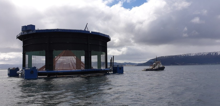 Aquatraz-merden forlater verfet. Foto: Midt-Norsk Havbruk