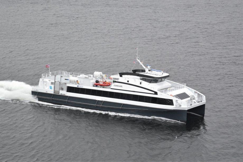 «Fjordjarl» er den siste av tre som leveres fra Oma Baatbyggeri til Norled. Foto: Oma Baatbyggeri