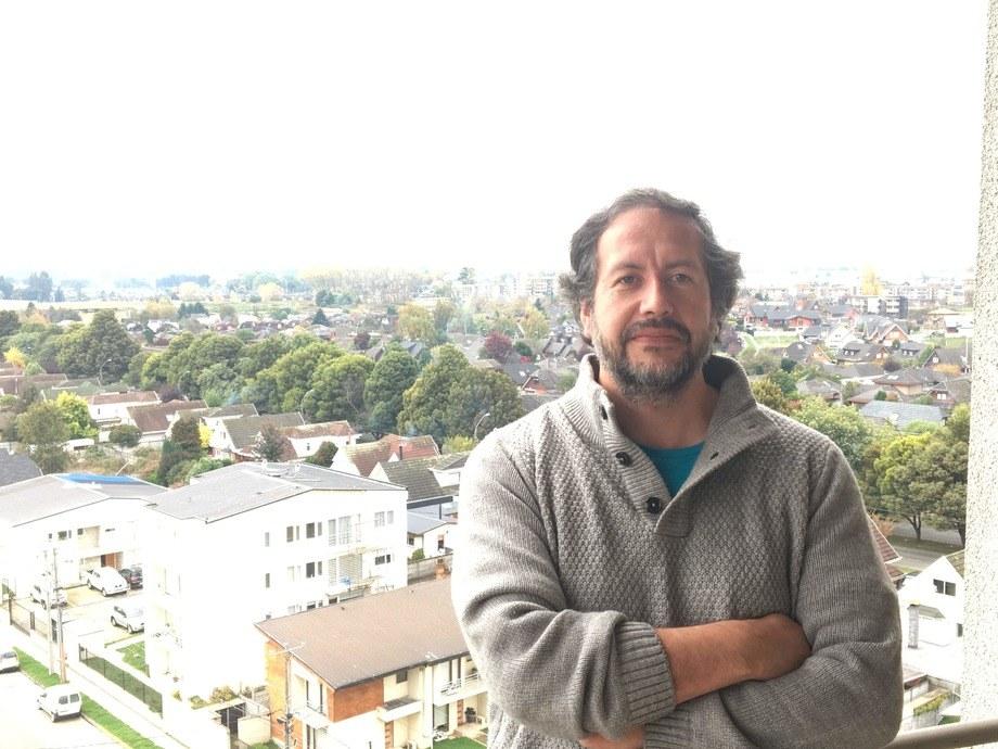 Álex González, Dr. en Biotecnología de la Universidad de Los Lagos. Foto: Cedida.
