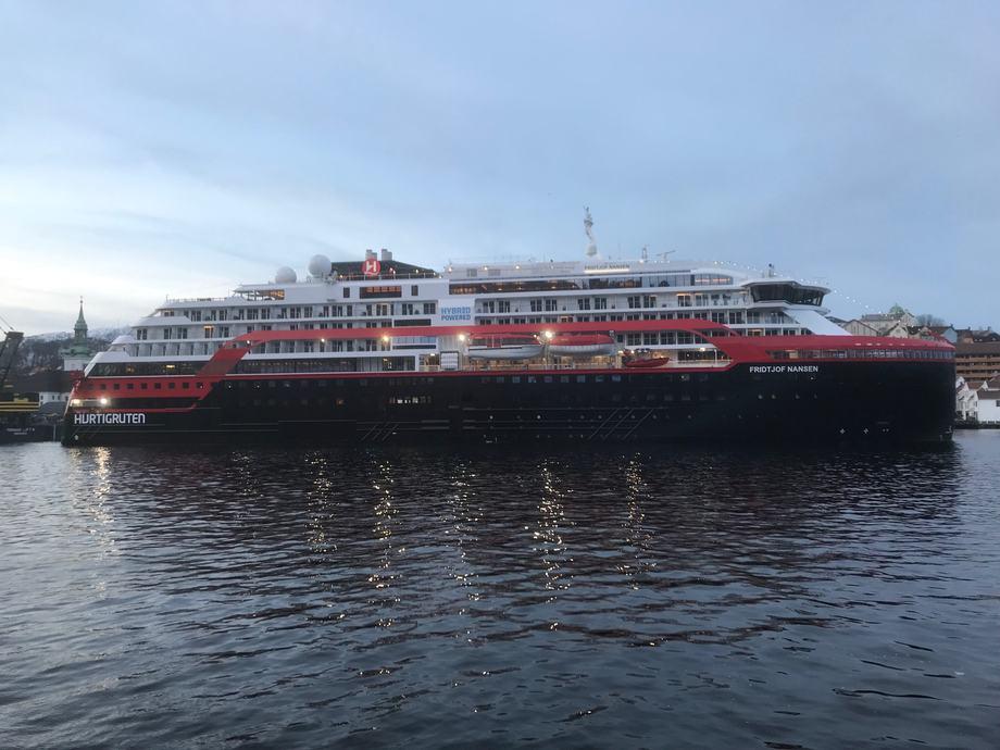 Det er oppdaget koronasmitte blant to av mannskapet om bord på hurtigruteskipet «Roald Amundsen» Arkivfoto: Sigbjørn Larsen