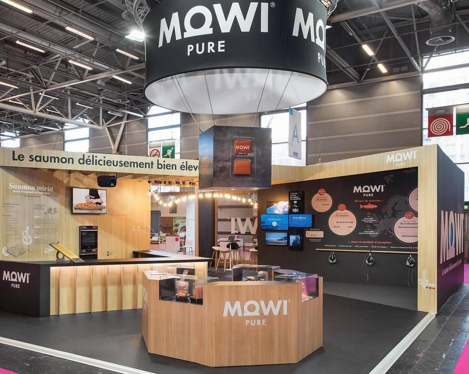 Mowi har fått merke at HoReCa-segmentet har tørket inn under covid-19 pandemien. Bildet er fra en presentasjon overfor fransk retail-segment under Salon International de l'Agriculture (SIA) i Paris i månedsskiftet februar/mars. Foto: Mowi