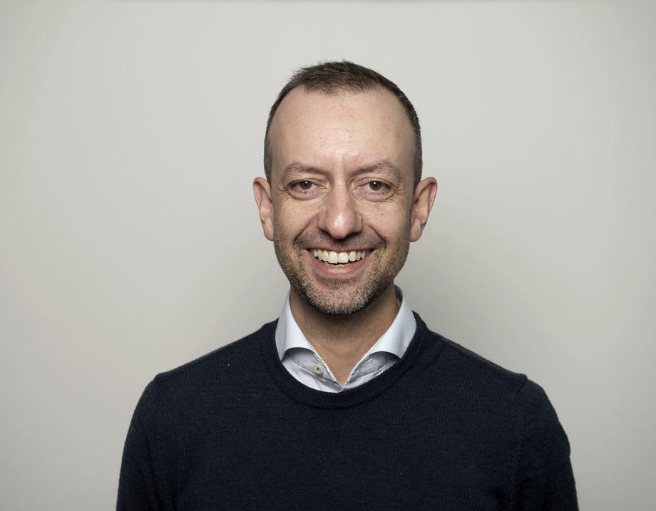 Nikolas Kallas kommer fra stillingen som VP Products hos StormGeo og er utdannet ved UiB (Master Informasjonsvitenskap) og Stanford (Executive continuing studies). Foto: Aquabyte