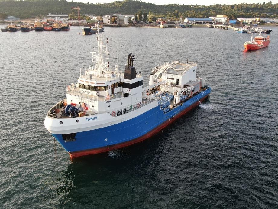 Barco de proceso Taniri. Foto: Patagonia Wellboat.