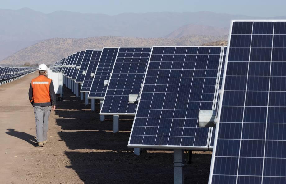 Uso de energías renovables permitirá disminuir emisiones de CO2. Foto: Camanchaca.