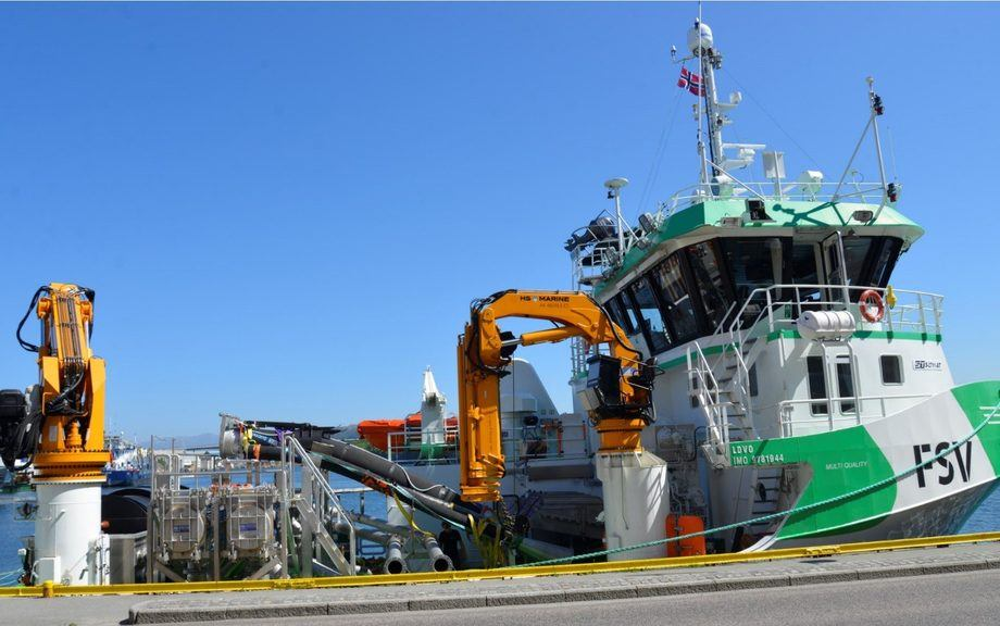 FLS Avluser uses seawater flushing to remove lice in a closed environment. Photo: FLS.