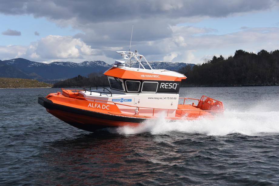 «ALFA DC» i 30 knop - manøvreingsdyktig og robust redingsbåt.  Foto: Hukkelberg Boats