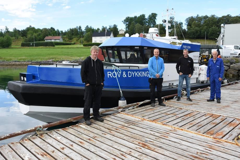 F. v.: John Sindre Kragset (Frøy Vest AS), Flemming Møller Schou (Safe Air Diving), Tore Hukkelberg og Per Breivik (Hukkelberg Boats) Foto: Hukkelberg Boats