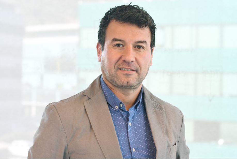 Dr. Derie Fuentes, gerente y director científico del área Acuicultura y Ecosistemas Marinos del Centro de Biotecnología de Sistemas de Fraunhofer Chile. Foto: Fraunhofer Chile.