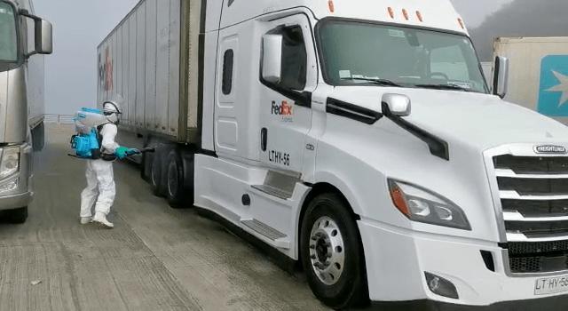 Conductores de camiones piden soluciones ante falta de insumos básicos en las extensas esperas de traslado hacia y desde Chiloé. Foto: Archivo Salmonexpert.