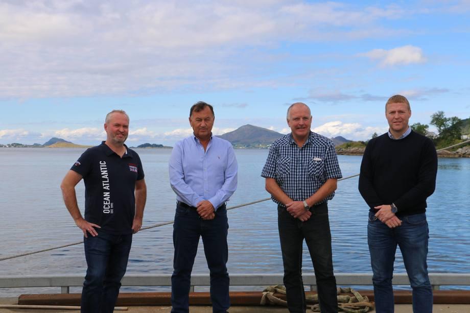 Fire stolte vinnere: Fra venstre: Glen Bradley (Rostein), Jarle Gunnarstein (Larsnes), Odd Einar Sandøy (Rostein), Per Jørgen Silden (Skipskompetanse)