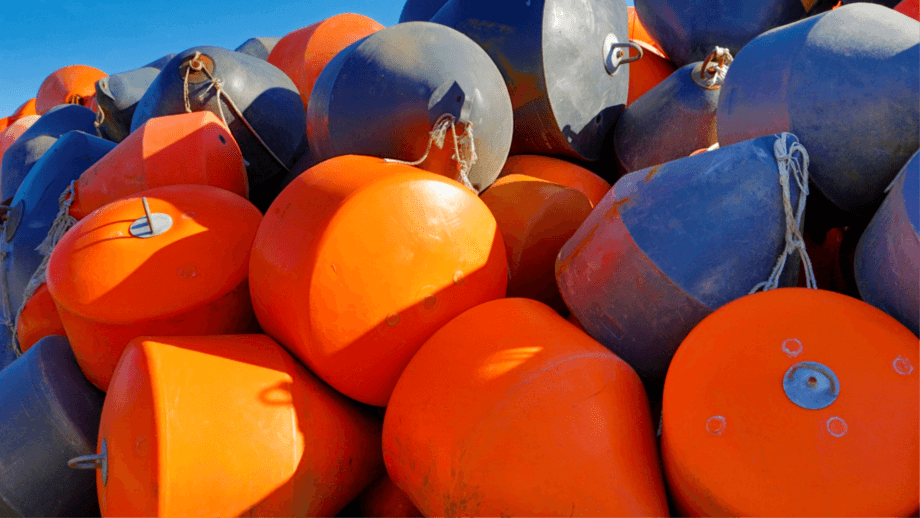 AquaChile and Greenspot have recycled buoys, floats and pipes that have reached the end of their lives. Photo: AquaChile.