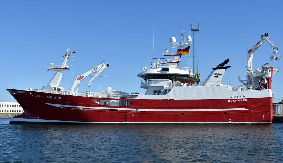 Den nye tråleren «Kristin» er overlevert fra Karstensens Skibsværft til det tyske rederiet Fischereigesellschaft mbH som eies av tre svensker. Karstensen Skibsværft