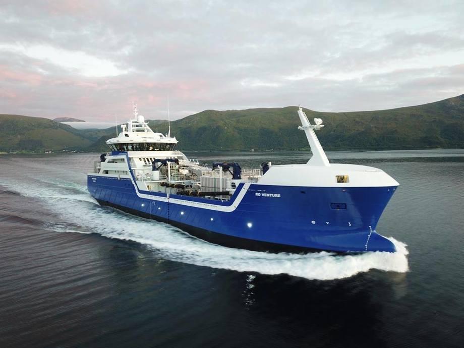 Verdens andre hybride brønnbåt «Ro Venture» er levert fra Larsnes Mek til Rostein.
