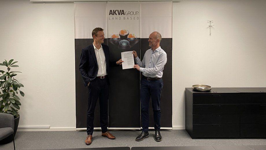 Morten Malle of Vikings (left) and AKVA's Jacob Bregnballe. Photo: AKVA