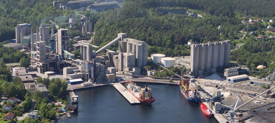 183 spesialskip skal frakte karbon fra Brevik til Øygarden. Foto: Norcem.