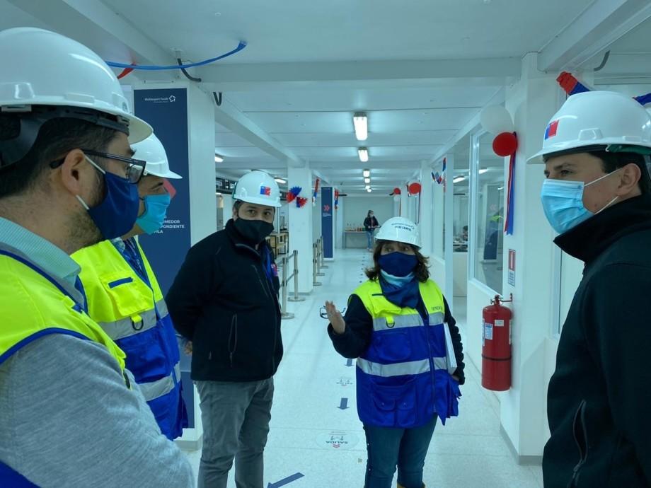 Autoridades regionales del Trabajo inspeccionaron planta Puerto Montt de Multiexport Foods. Foto: Dirección del Trabajo.