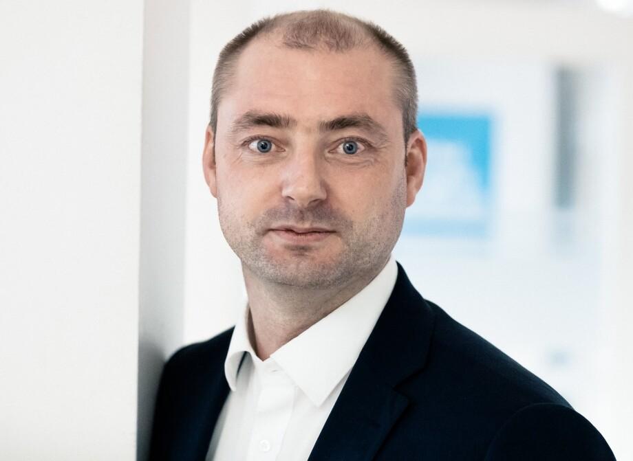 Robert Eriksson, administrerende direktør i Sjømatbedriftene reagerer på at man sender regningen i sin helhet til sjømatnæringen. Foto: FRP