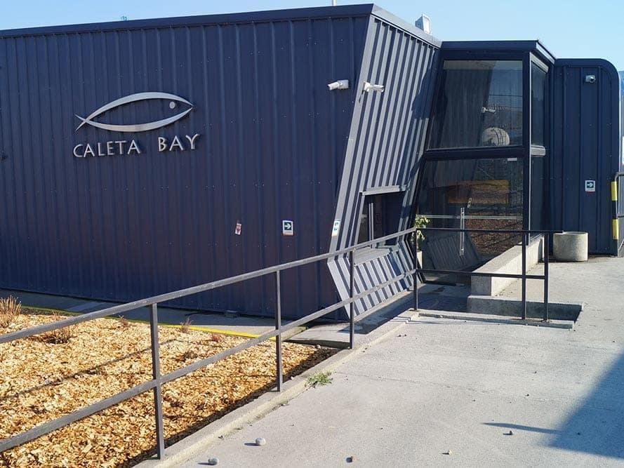 Instalación de Caleta Bay. Foto: Caleta Bay.