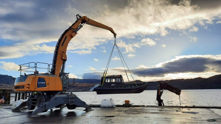 The Kilmaluag is lowered into the water. Photo: OSH.