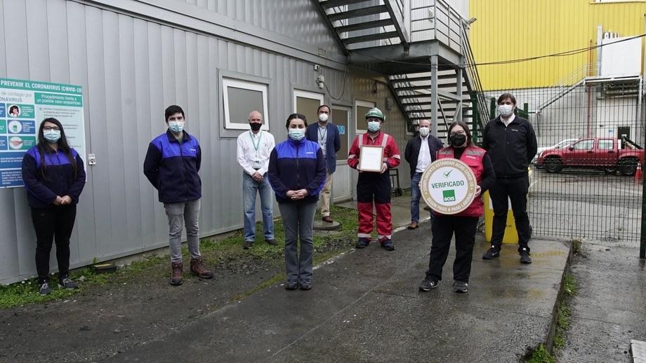 La ACHS entregó el sello a las plantas de proceso Chinquihue (en la foto) y Quemchi de Cermaq Chile. Imagen: Cermaq Chile.