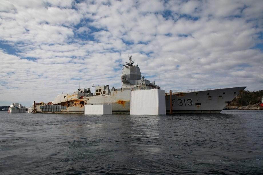 KNM «Helge Ingstad» skal destrueres. Foto: Emil Wenaas Larsen, Forsvaret