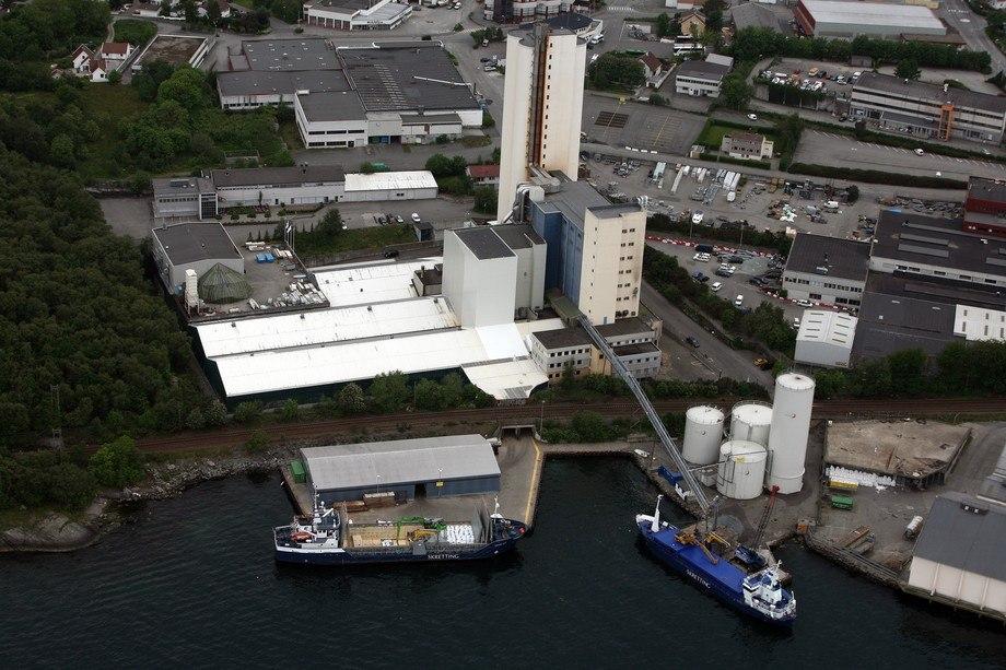 Skrettings fabrikk i Stavanger som nå starter produksjonen. Foto: Skretting