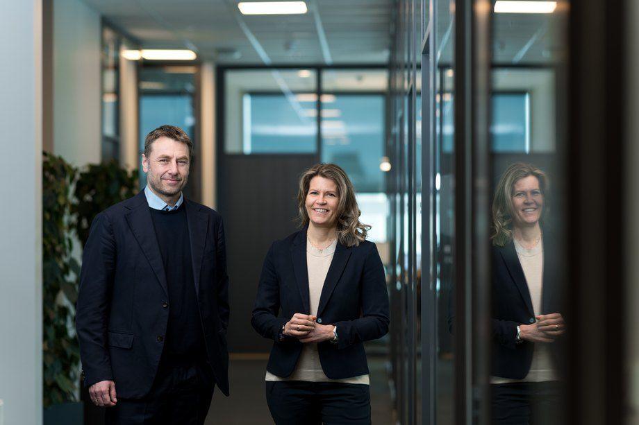 Artec Aqua rigger selskapet for videre vekst, og har ansatt Asbjørn Skaro som ny Vice President Project. Her avbildet sammen med CEO Ingegjerd Eidsvik. Foto: Artec Aqua.