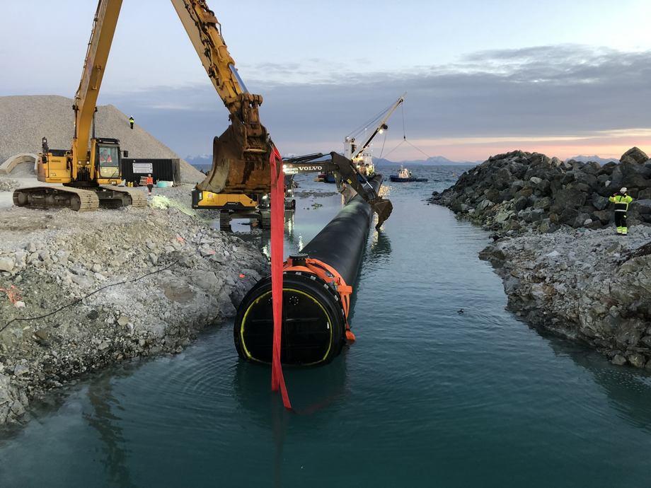 Selskapets gjennomstrømningsteknologi  bruker sjøvann fra Andfjorden. Foto: Andfjord Salmon
