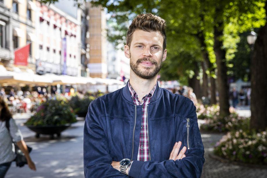 Partileder Bjørnar Moxnes i Rødt mener Kongsberg Gruppen med hjelp av staten bør kjøpe Bergen Engines. Foto: Ihne Pedersen/Rødt