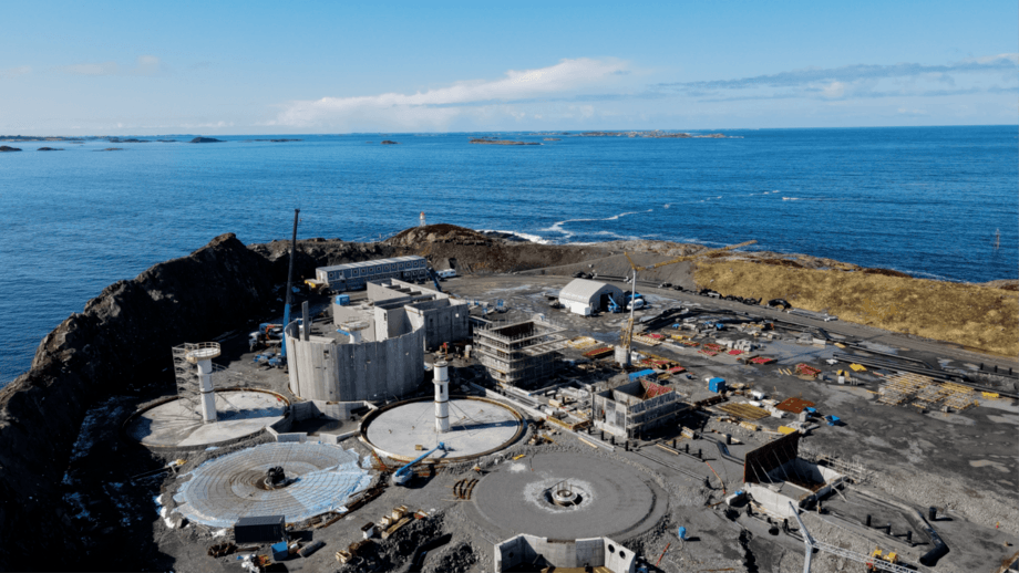 Construction work at Salmon Evolution's site on the island of Indre Harøy, Norway. The first smolts are due in the water next March. Photo: Salmon Evolution.