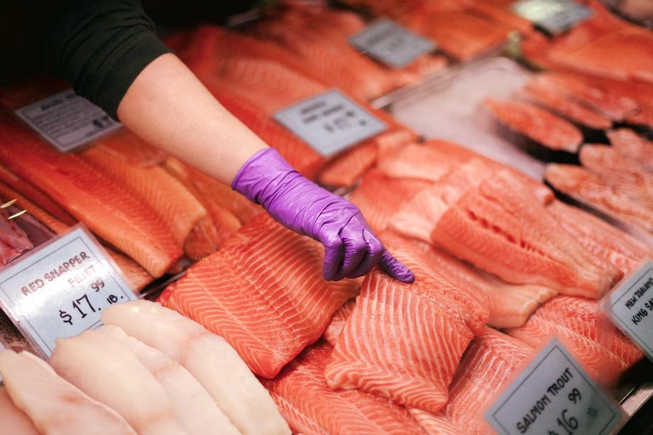 Debido a la pandemia, el consumo de salmón cambió de los restaurantes a los supermercados. Foto: Archivo Salmonexpert.
