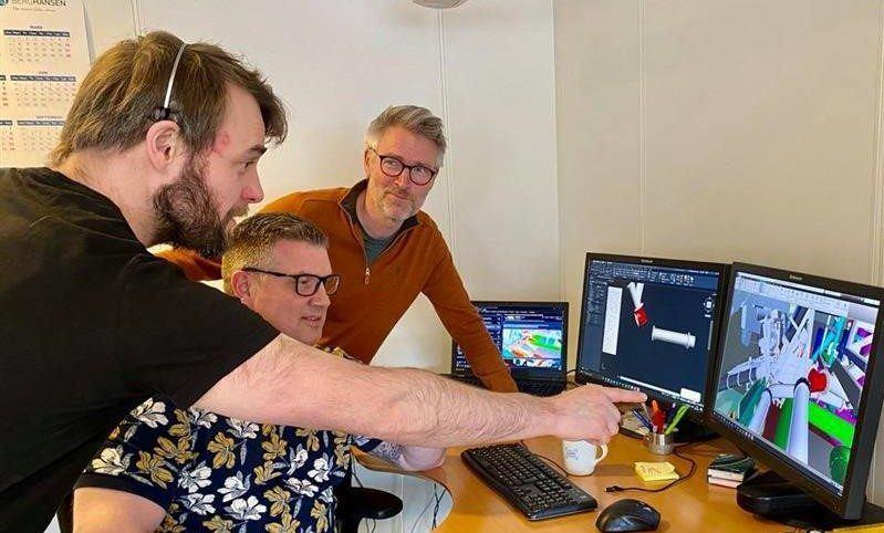 Foto; Kristian Remøy (tv) Per Gunnar Hauge (i midten) og Helge Birkeland (th).