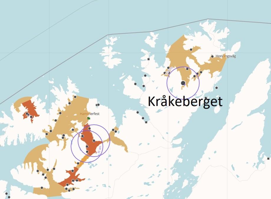 Lokaliteten Kråkeberget ligger i Måsøy kommune i gamle Finnmark fylke. Kart fra Barentswatch.