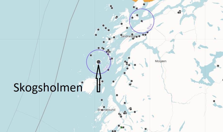 Lokaliteten Skogsholmen ligger i Vega kommune i Nordland. Kart: Barentswatch