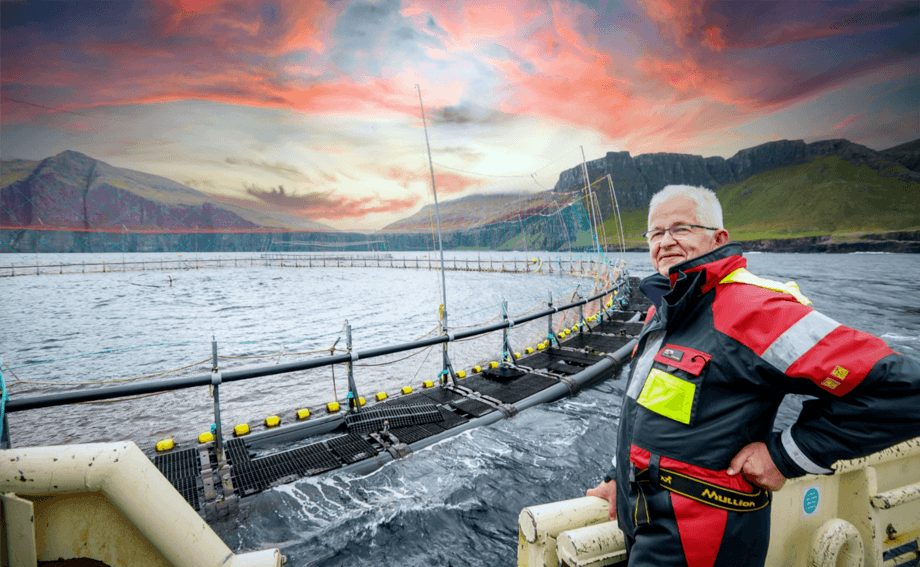 Atli Gregersen, managing director of HiddenFjord, at the cage edge. The Faroese farmer has ordered two floating closed cages to grow fish from 650g to 2kg. Photo: Alvur Haraldsen / HiddenFjord.
