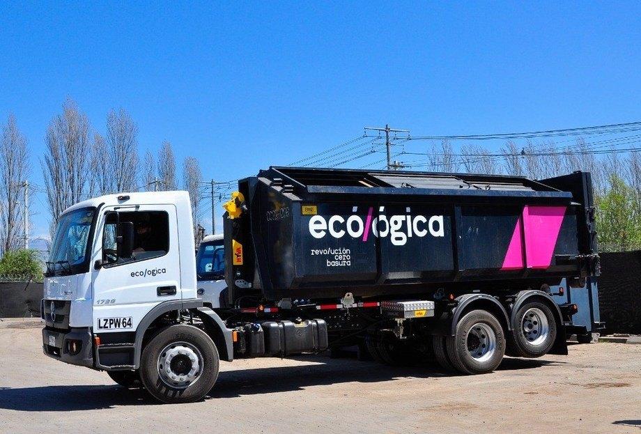 Parte de la flota de transporte de EcoLógica. Foto: EcoLógica.