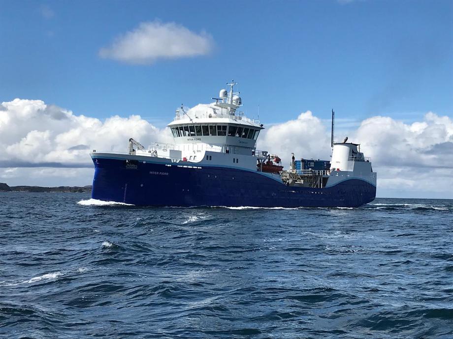 Wellboat Inter Fiord que presta operaciones en Chile a Mowi. Foto: Intership.