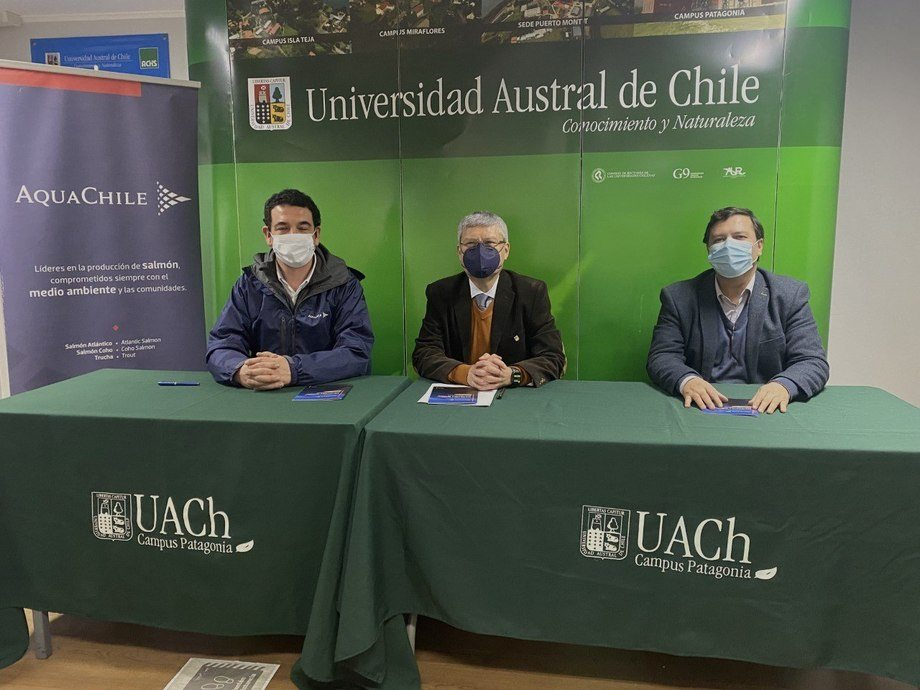Alianza entre UACh Patagonia y AquaChile es de carácter indefinido. Foto: UACh Patagonia.