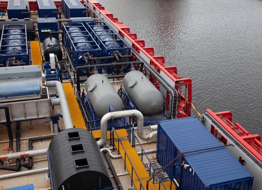 Sistema CleanTreat a bordo de la embarcación. Foto: Benchmark.