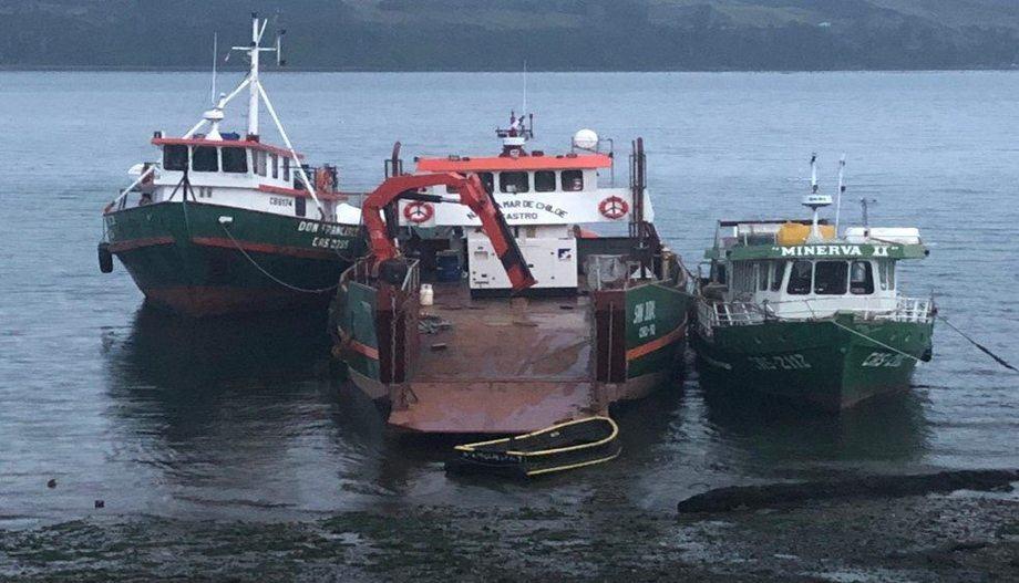 Naves de servicio a la acuicultura. Foto: Arasemar.