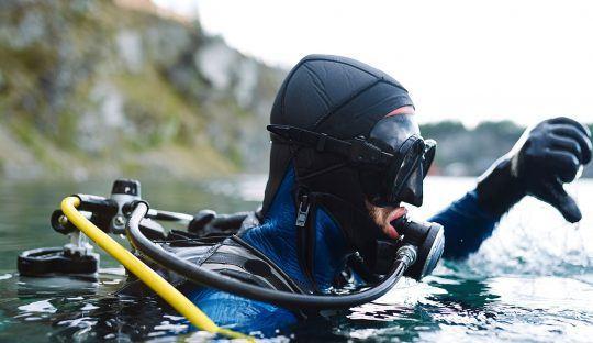 Nuevos protocolos apuntan a entregar mayor seguridad a los buzos acuícolas. Foto: Archivo Salmonexpert.