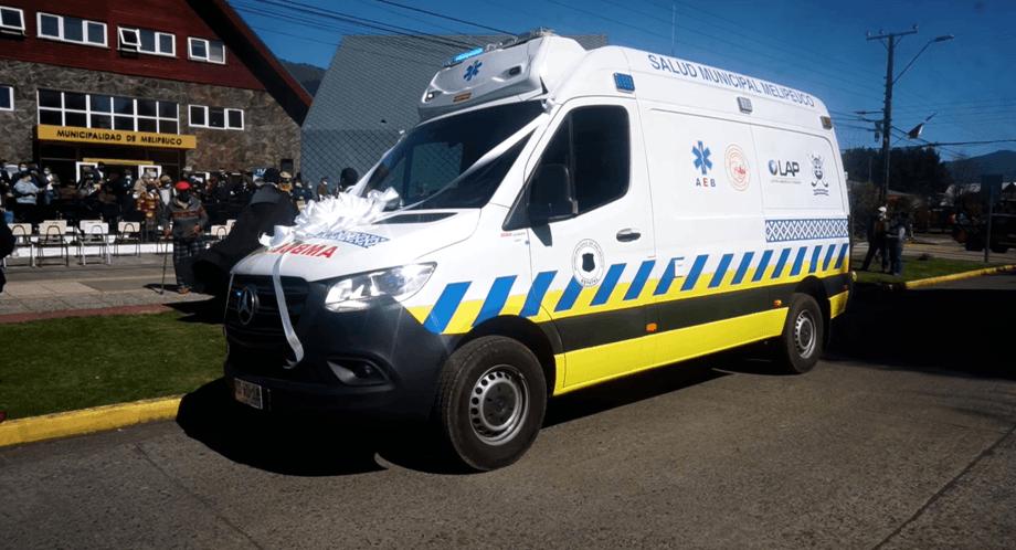 Ambulancia permitirá fortalecer la red de salud de la comuna. Foto: SalmonChile.