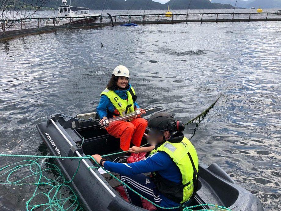 Lisa Victoria Bernhardt på feltforsøk. Foto: Veterinærinstituttet