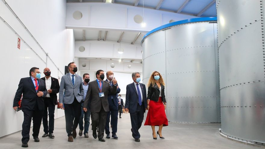 Inauguración de primer centro RAS de salmón Atlántico en España. Foto: El Diario.