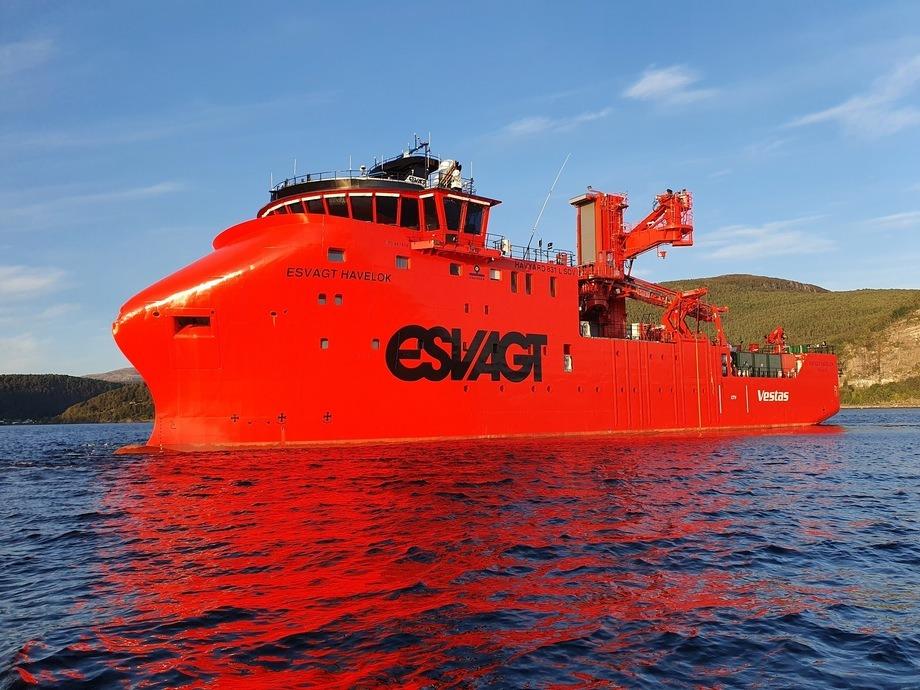 Den siste av tre havvindskip til Esvagt er overlevert fra Havyard Leirvik